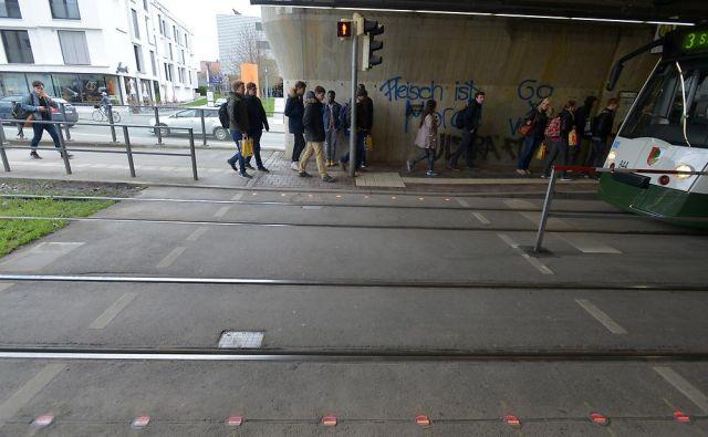 2016-04-19-Lichtsignal-Boden-Haunstetter-Strasse-1-640x395